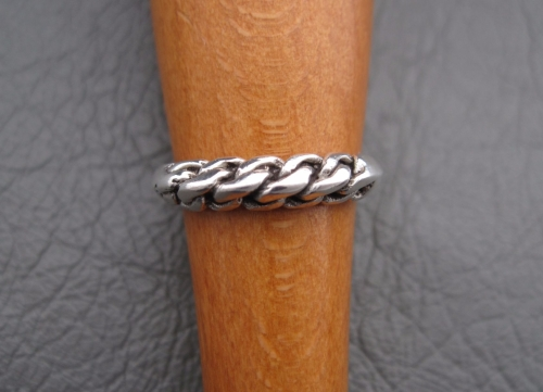 Sterling silver plaited ridge ring