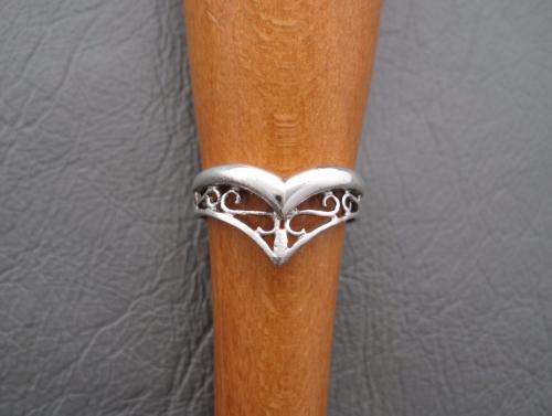 Sterling silver fancy scroll wishbone ring