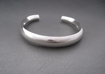 Modernist sterling silver child's rattle bracelet