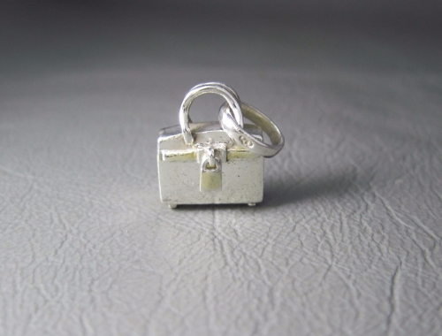 Sterling silver handbag charm with a free-moving padlock