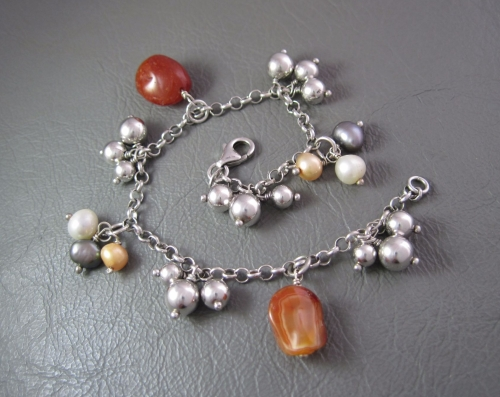 Sterling silver bracelet with agate, silver balls and freshwater pearls
