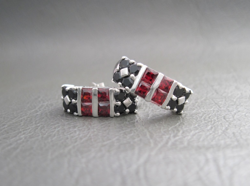 Attractive sterling silver earrings with black & red crystals