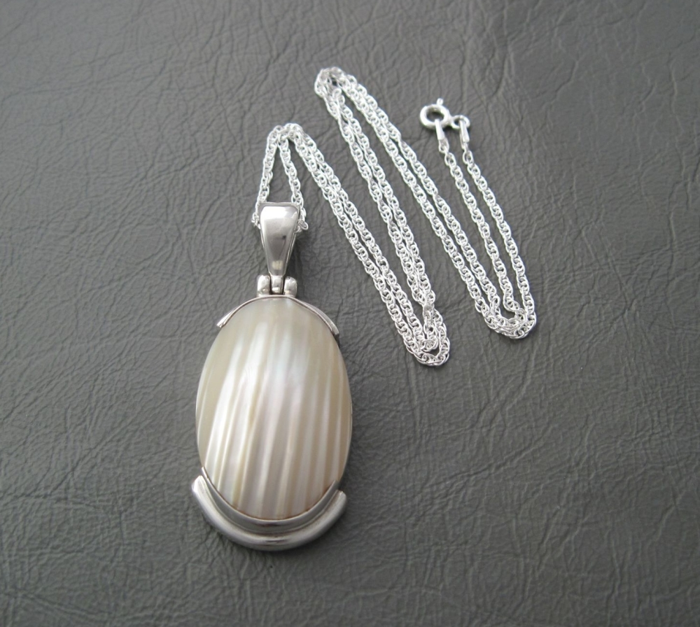 Large sterling silver & Mother of Pearl necklace