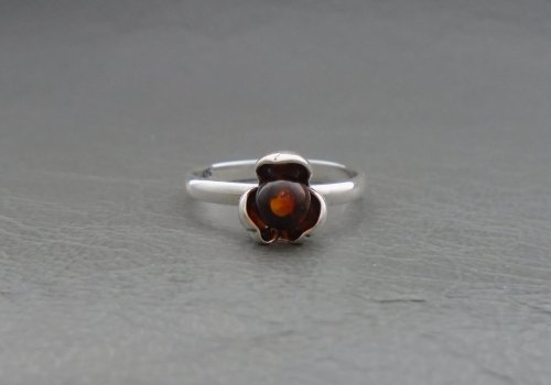 (NEW) Small sterling silver & amber flower head ring