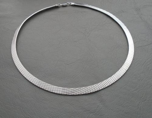 Sterling silver herringbone collar necklace