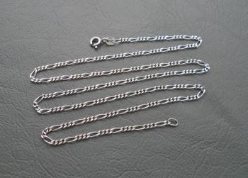 "Slim sterling silver Figaro chain (18"", 1.5mm)"