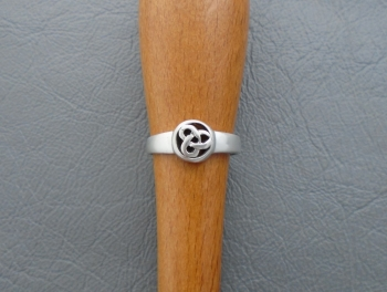 Small sterling silver Celtic circle ring