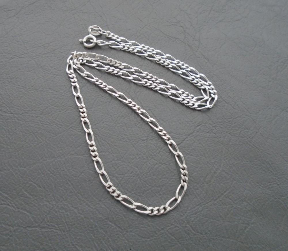 Italian sterling silver Figaro chain (16.25