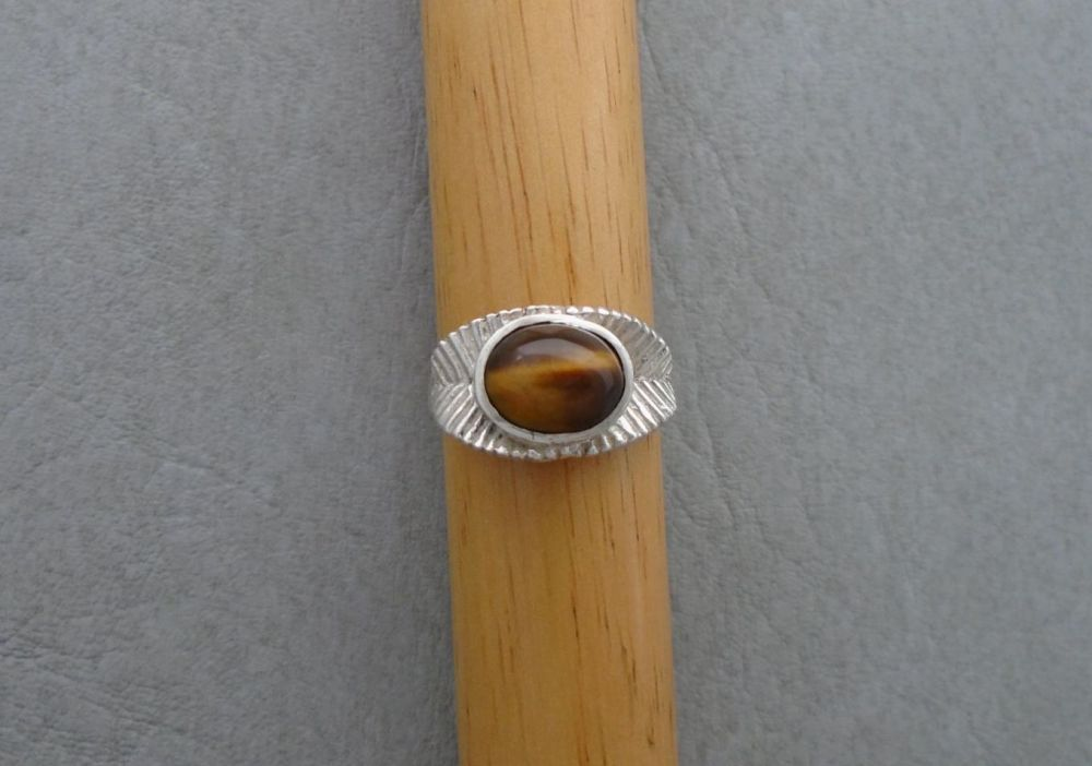Vintage sterling silver & tiger's eye ring
