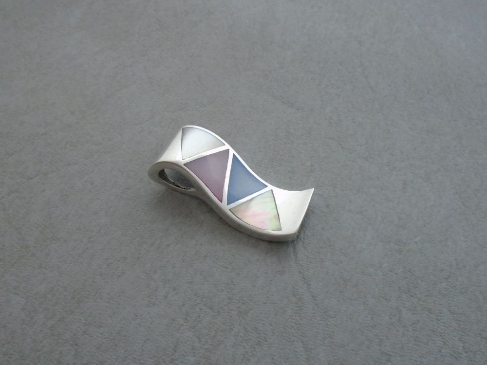 Sterling silver & dyed Mother of Pearl pendant