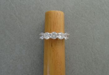 Sterling silver ring with 5 clear stones