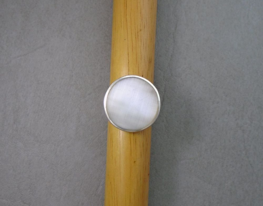 Statement sterling silver & Mother of Pearl disc ring
