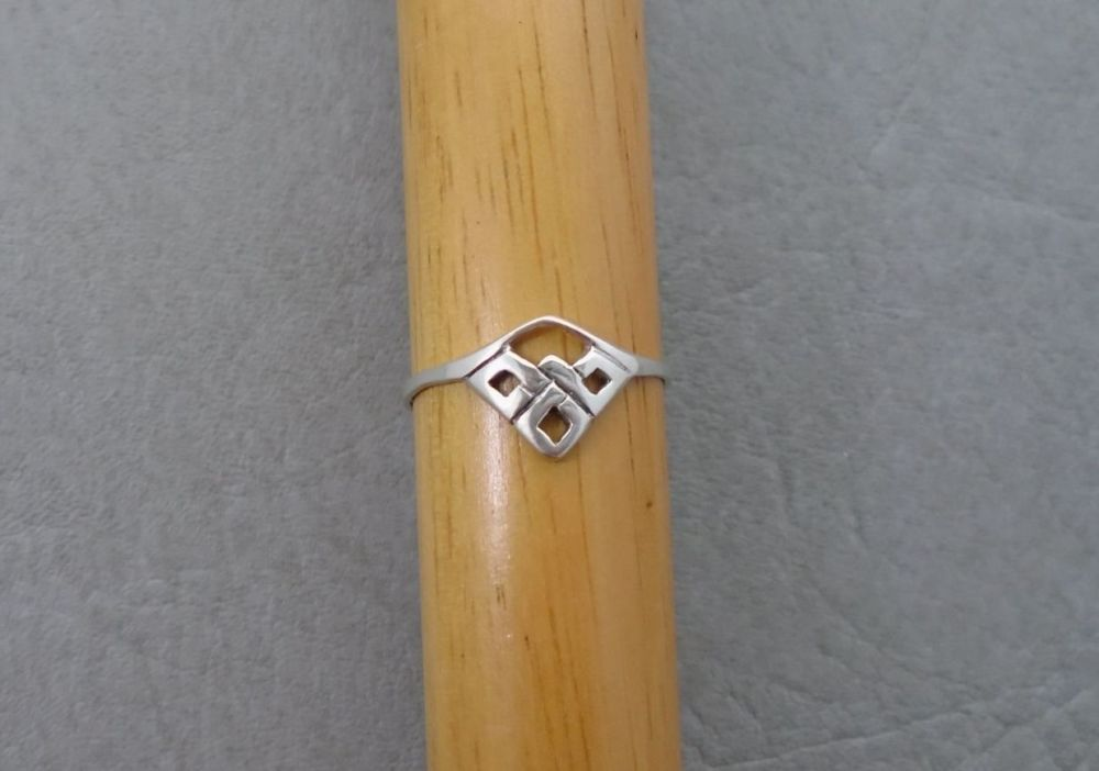 Sterling silver angled Celtic knot ring