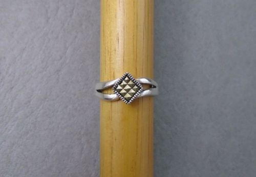 Unusual sterling silver & marcasite tring