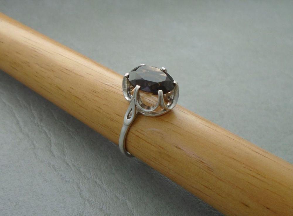 Vintage sterling silver & smokey quartz ring
