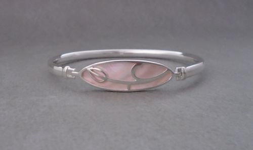 Attractive sterling silver & pink Mother of Pearl bangle