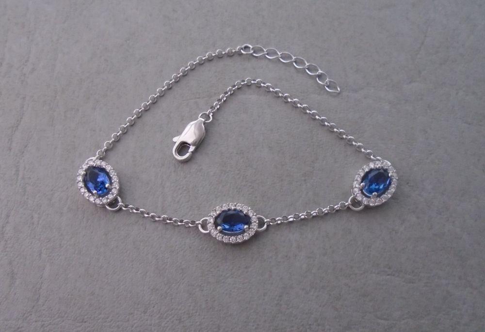 Sterling silver clusters bracelet