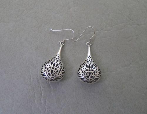Elegant sterling silver cut-out teardrop earrings