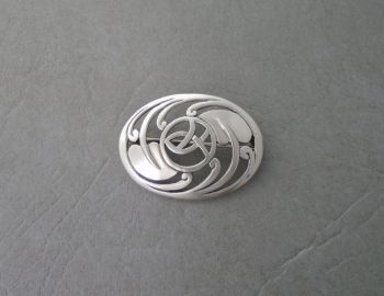 Elegant celtic style sterling silver brooch