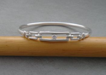 Sterling silver & clear stone bangle