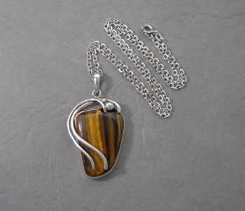 Gorgeous Italian sterling silver & tiger's eye necklace