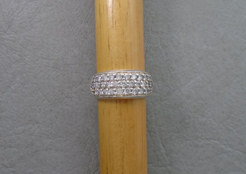 Sterling silver ring with 31 clear stones