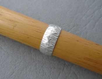Vintage silver patterned band ring