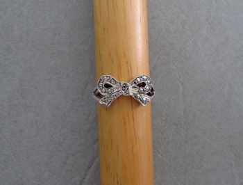 Vintage silver & marcasite bow ring