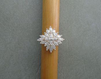 Elegant sterling silver cluster ring