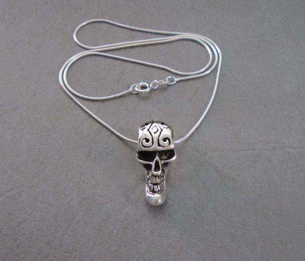 Quirky sterling silver 3D skull necklace