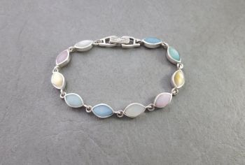 Pretty sterling silver & dyed Mother of Pearl bracelet