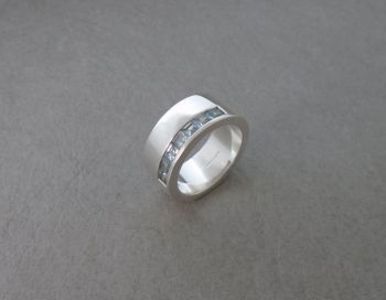 Thick set solid sterling silver & topaz ring