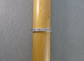 Sterling silver & clear stone full eternity ring