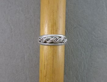 Unusual Russian 875 silver ring with rope chain detail