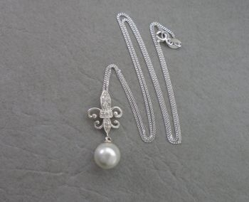 Elegant sterling silver & faux pearl dropper necklace