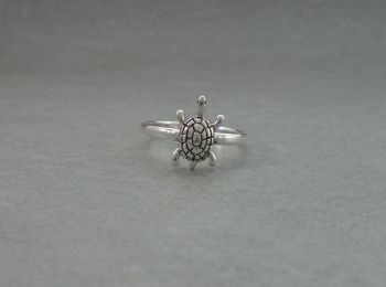 Cute sterling silver turtle ring