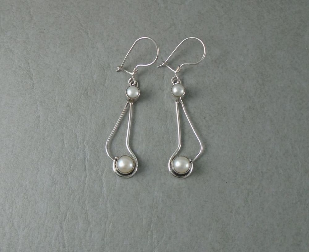 Sterling silver & freshwater pearl drop earrings