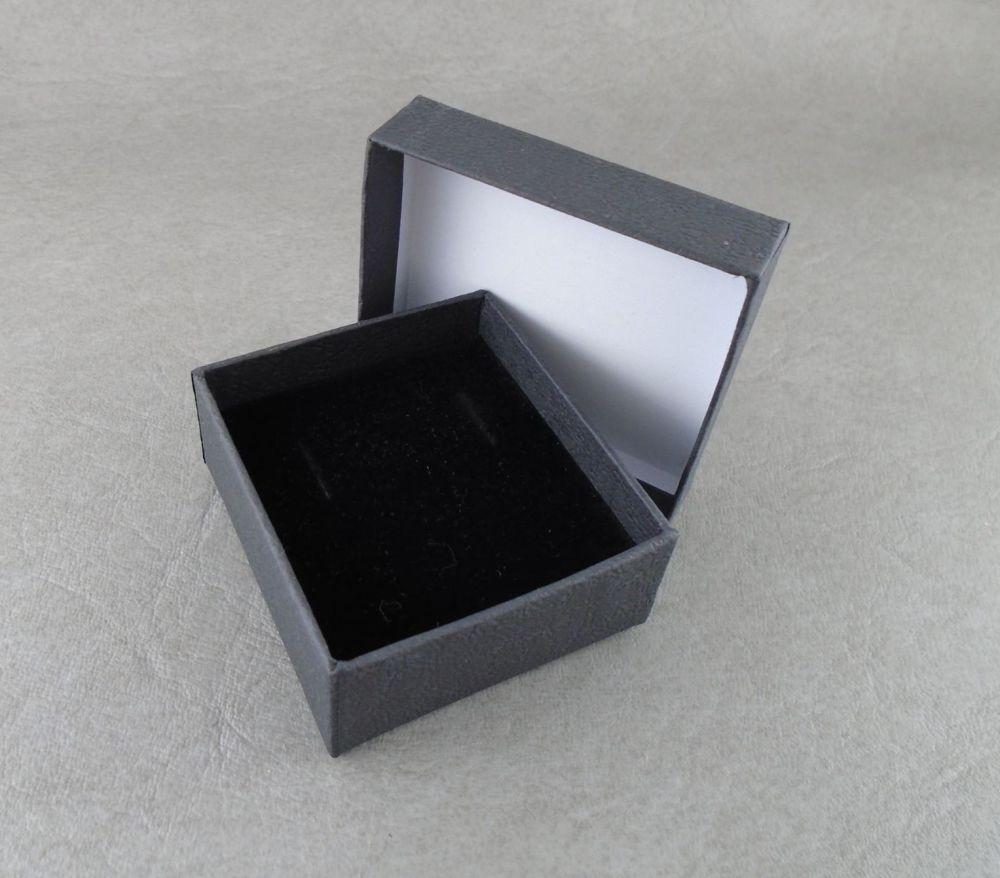 Stud / short earring box