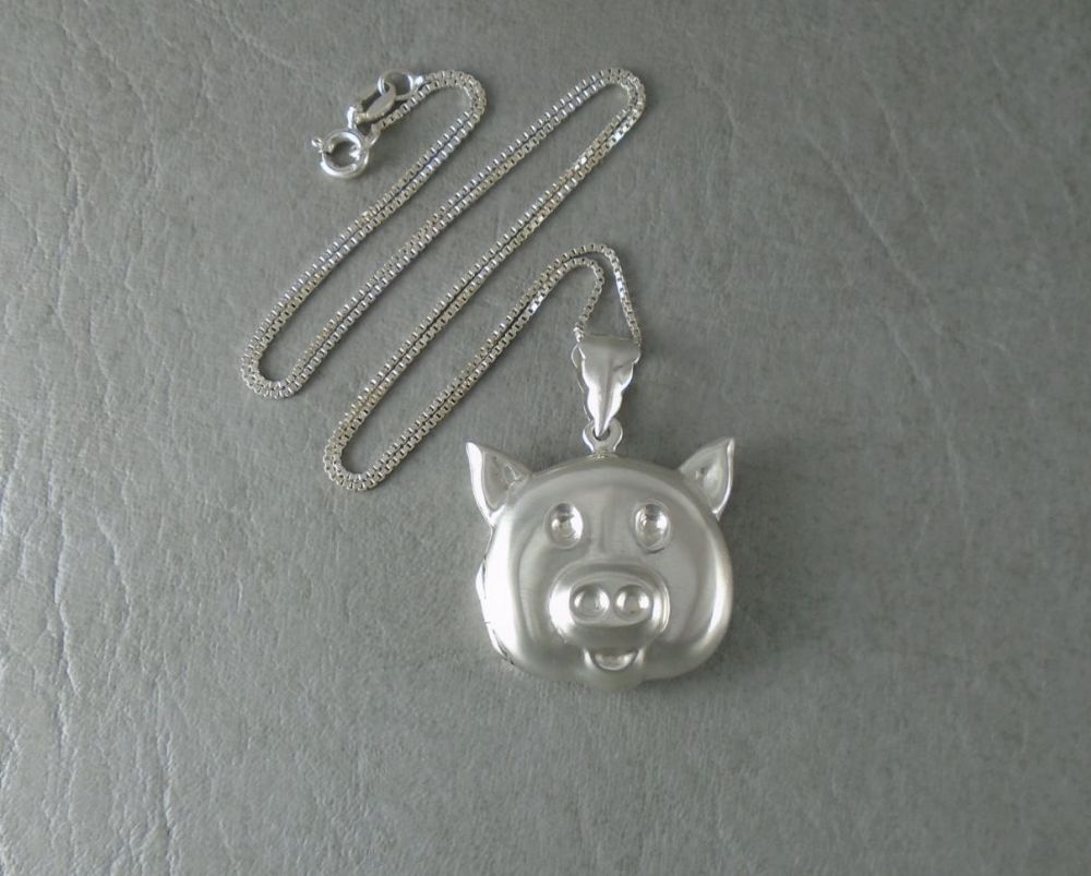 Unusual sterling silver pig locket & box chain necklace