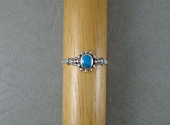 Sterling silver Bali style ring with howlite