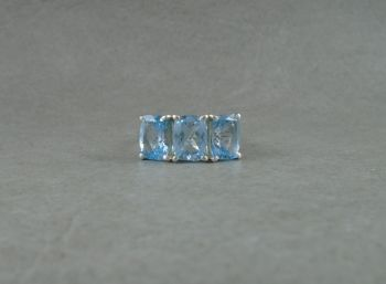Sterling silver & blue stone ring