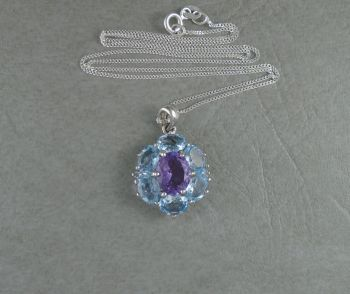 Attractive sterling silver, amethyst & blue topaz cluster necklace