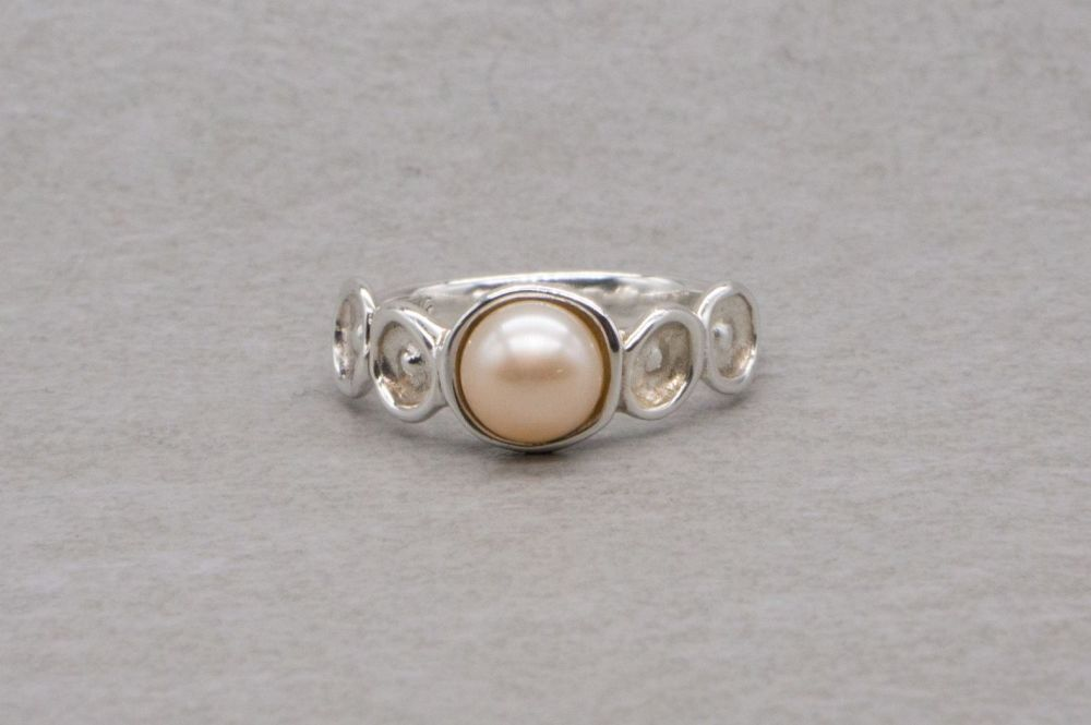 Israel sterling silver & cultured freshwater pearl ring