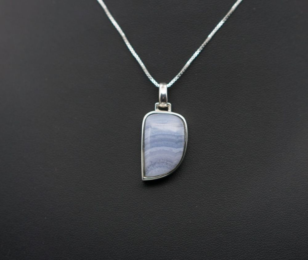 Elegant sterling silver & blue lace agate necklace
