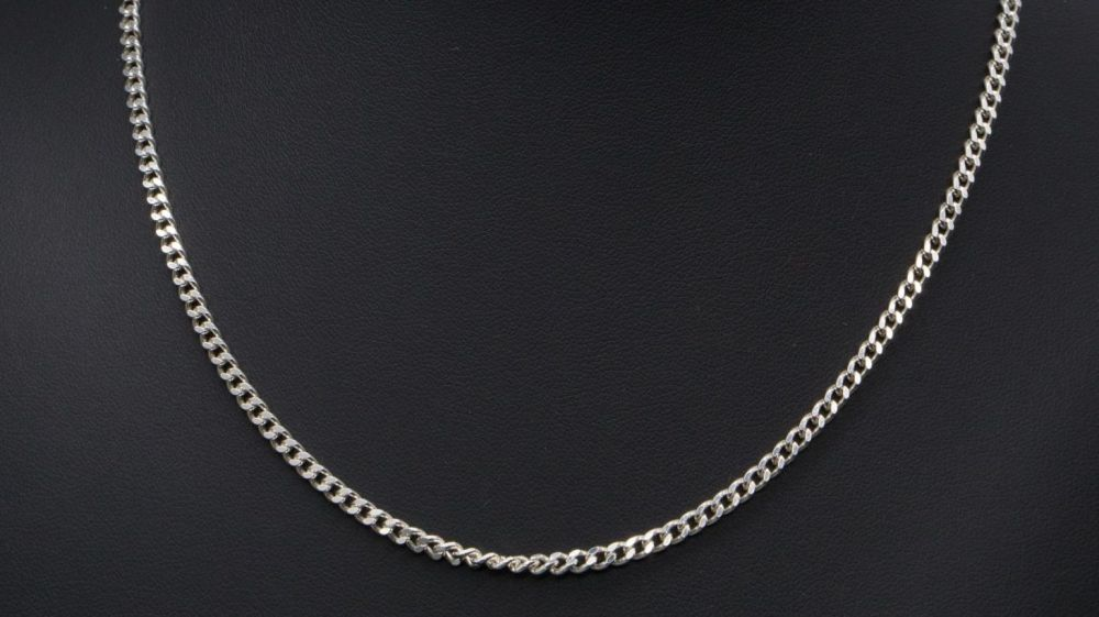 "Sterling silver curb chain (18.25"", 3mm)"