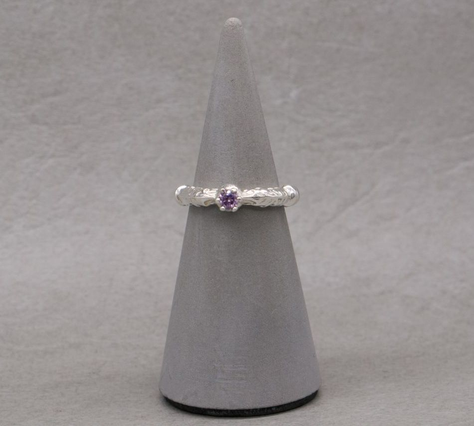 Sterling silver & amethyst solitaire ring with thistle leaf shoulders