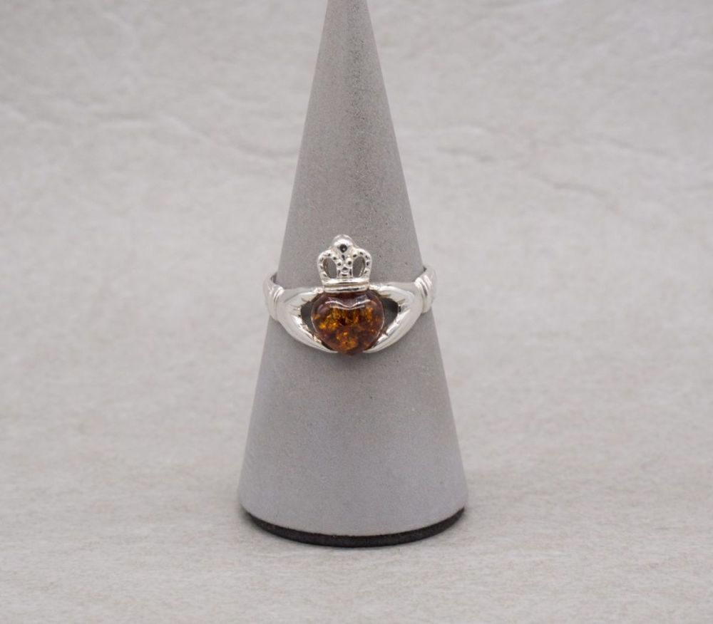 Sterling silver & amber claddagh ring