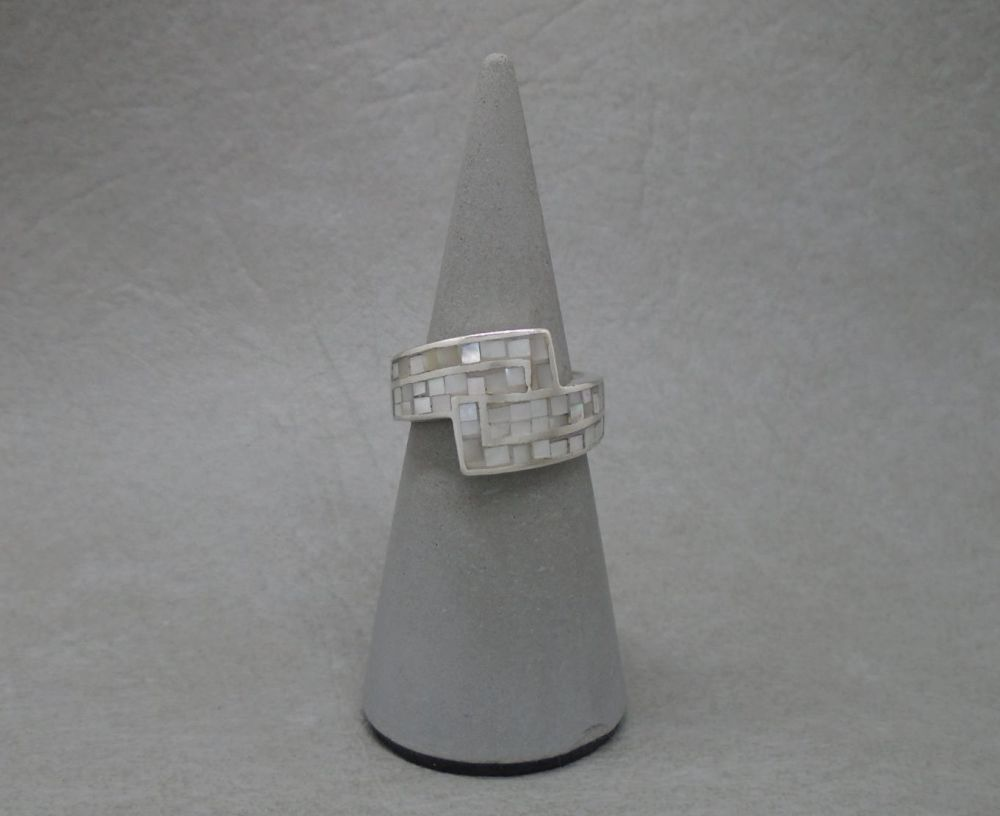 Sterling silver & mosaic mother of pearl ring