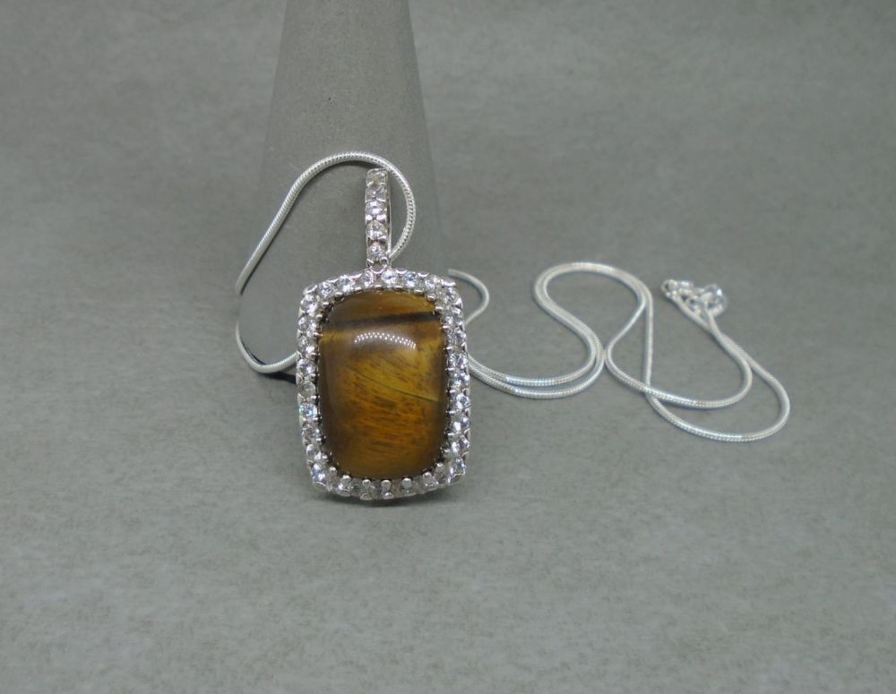 Elegant sterling silver & tiger's eye necklace
