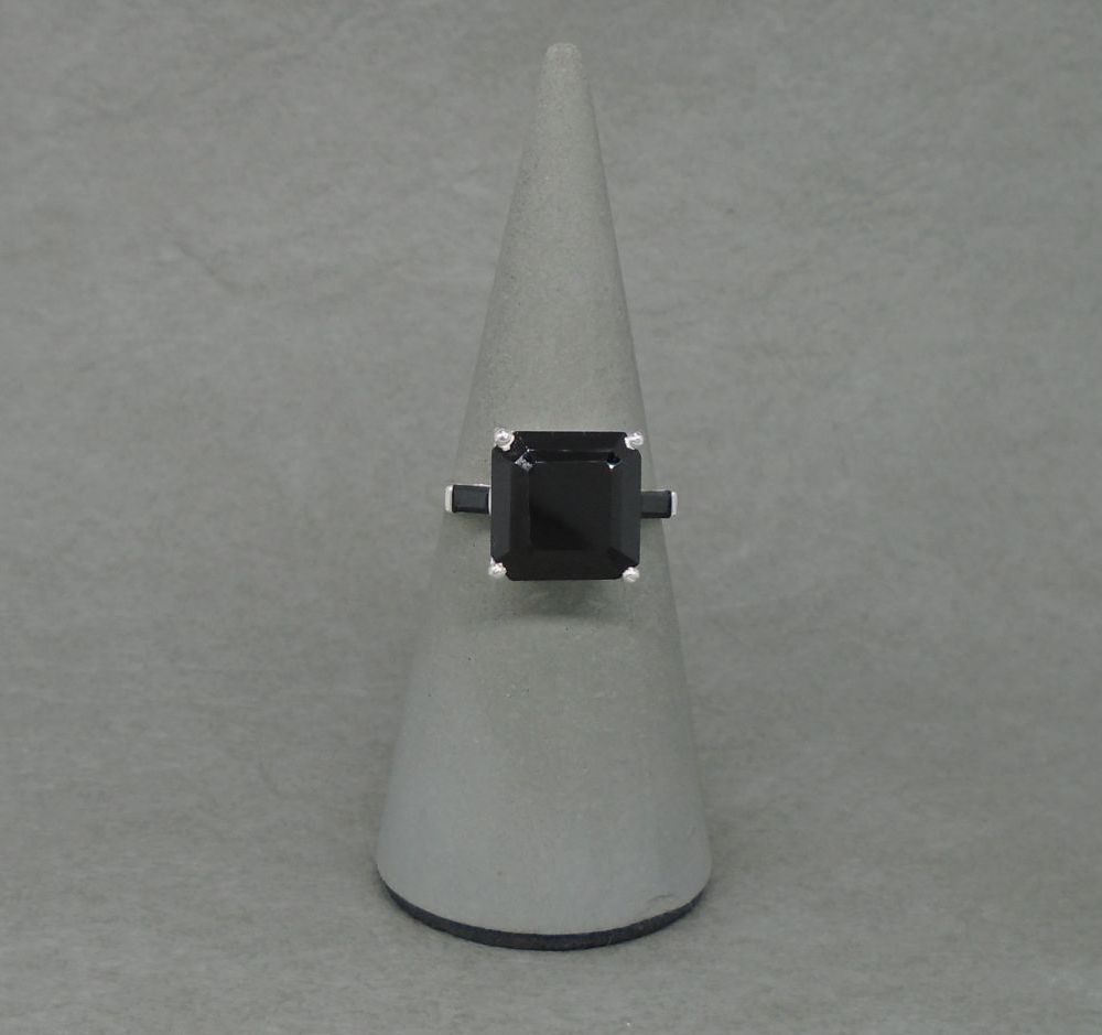 Sterling silver & black spinel ring with accented shoulders